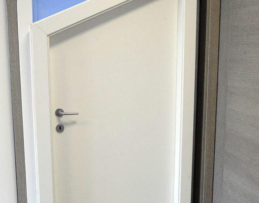 particolare porta sotto scala