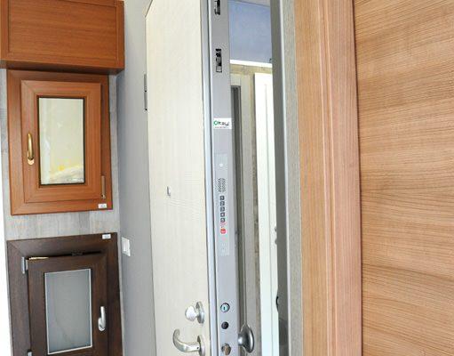 spessore porta e serratura