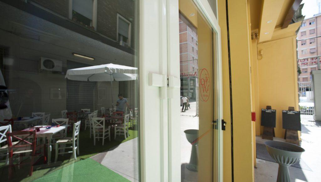gallery-cassamatta-ristorante-re-napoli-bologna-infissi6
